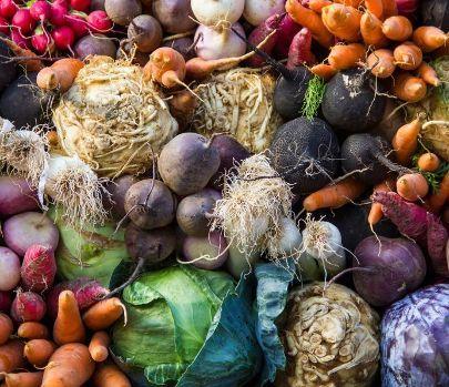 Ein bunter Haufen Gemüse
